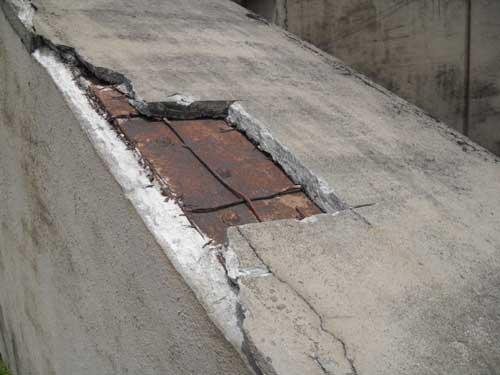 Oregon City Bridge cracked concrete