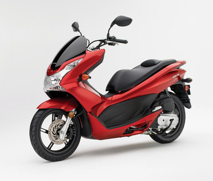 2011 honda pcx125 a reality check scootin 39 old skool. Black Bedroom Furniture Sets. Home Design Ideas