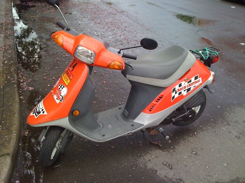 Race Central scooter