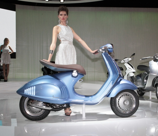Vespa Quarantasei, in blue
