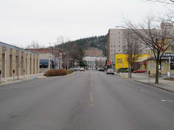 Grand Avenue southbound