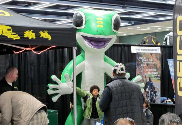 Inflatable gecko