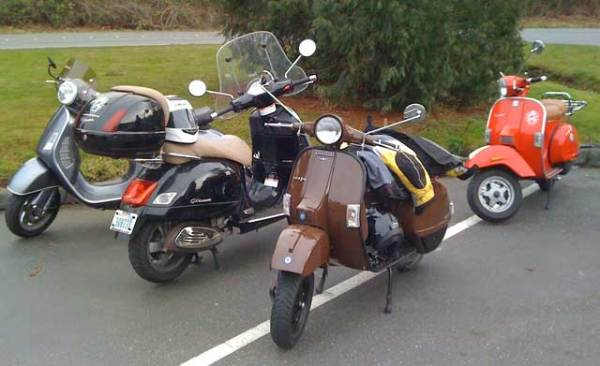 Two Ps, two big Vespas