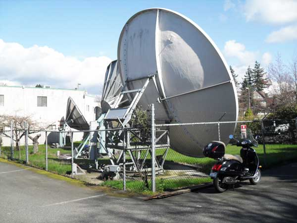 KVOS satellite dishes