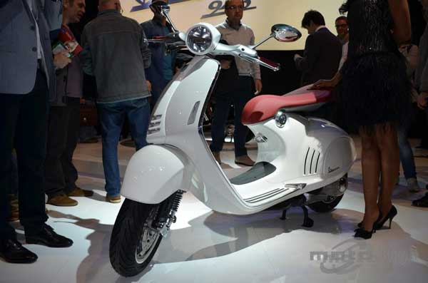 Vespa 946, in white