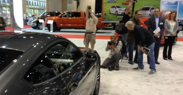 Journos photograph the 2015 Mustang
