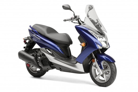 Yamaha SMAX in blue