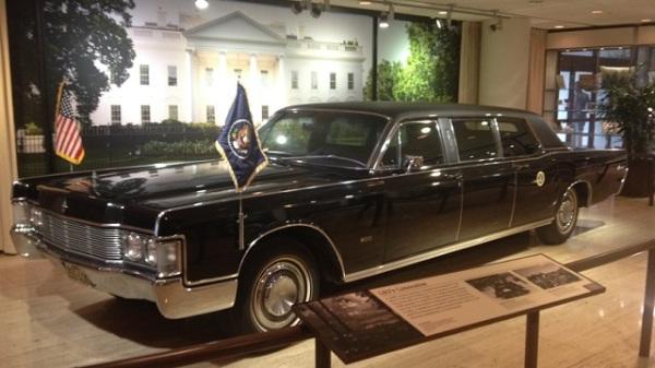 LBJ's 1965 Lincoln limosine